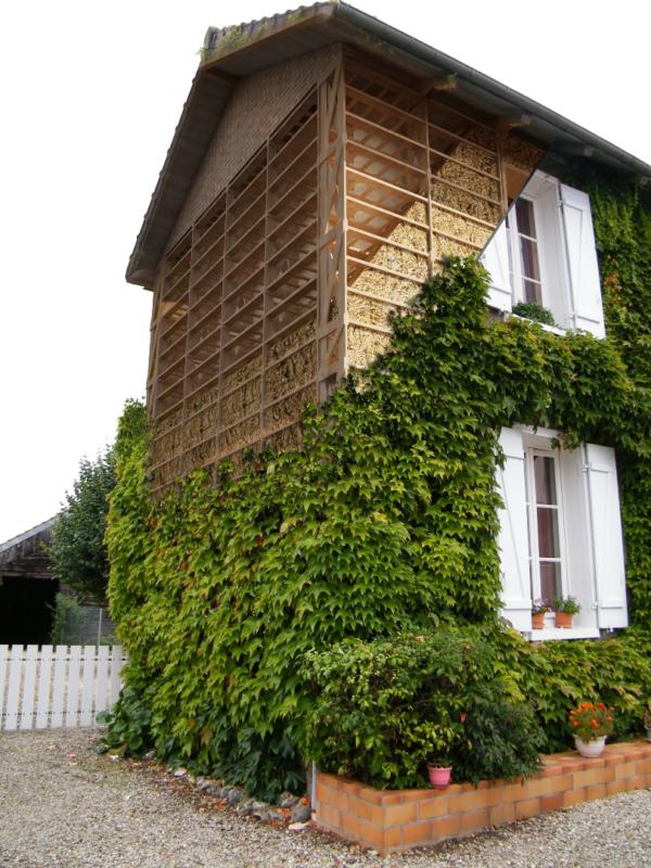 Maison feuillette, un exemple d'architecture vernaculaire proposé par amàco - crédits photos RFCP