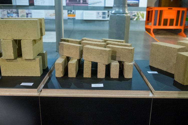 Cycle terre - briques de terre crue produits par amàco
