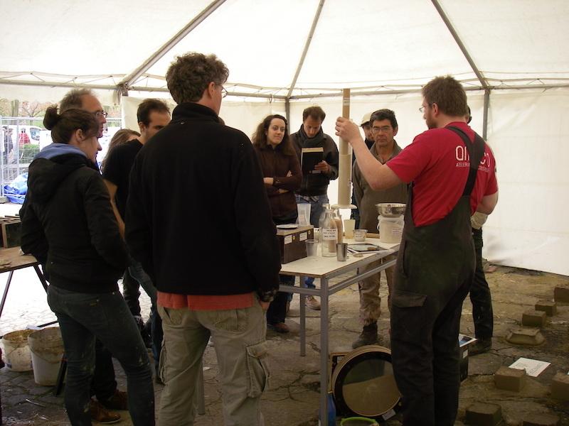 Une semaine d'atelier et conférence sur le thème de la terre crue en Belgique © amàco