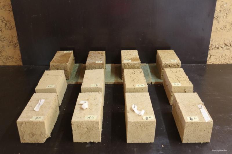 Echantillons de terre coulée sans ciment ni additifs — crédit : amàco