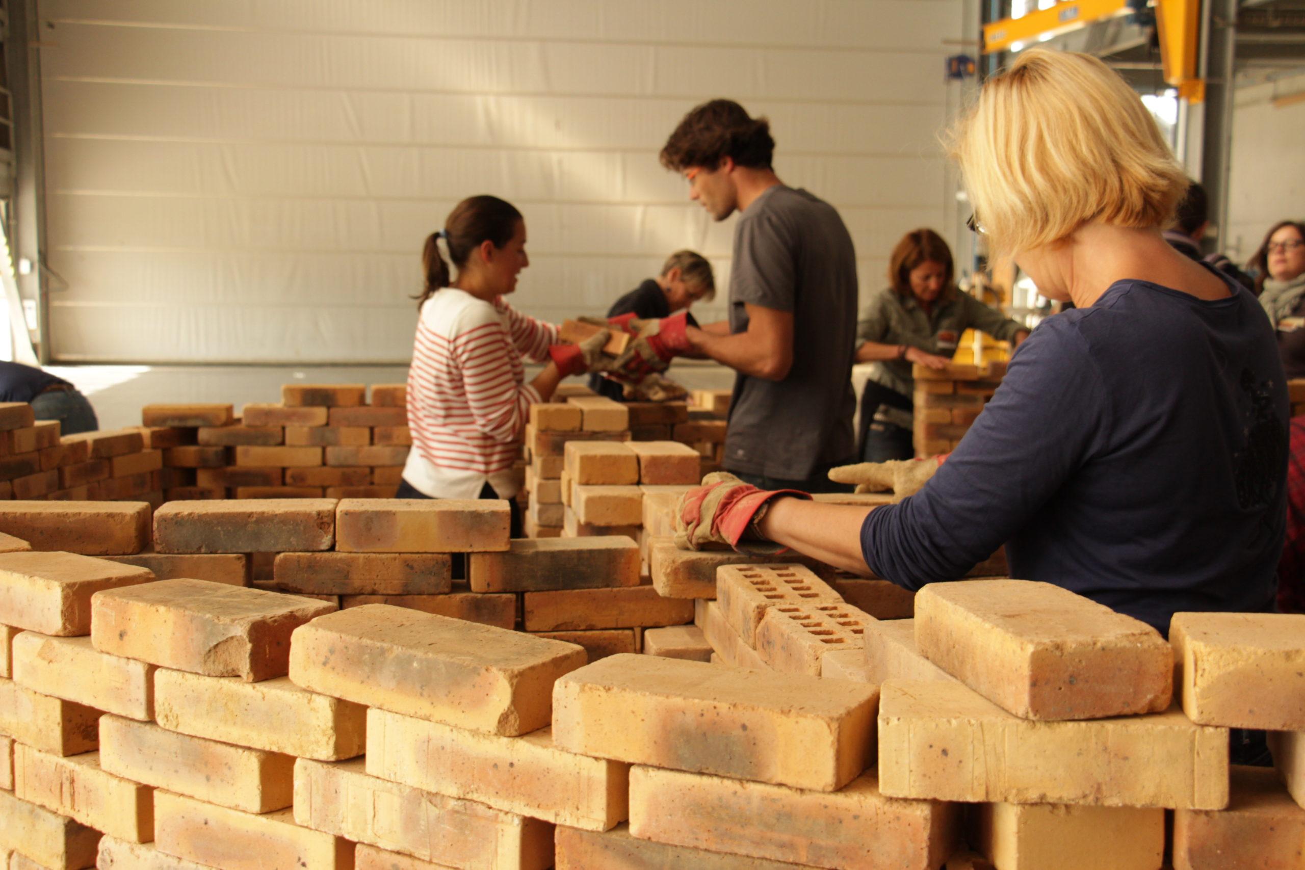 Des formateurs et enseignants formés aux méthodes pédagogiques d'amàco avec les CAUE