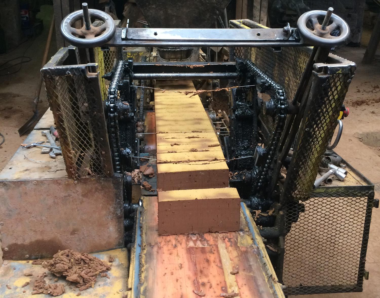 Du déblai à la brique de terre crue, une expérimentation innovante