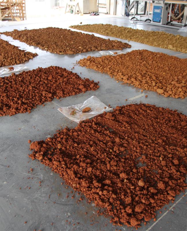 Formulation de matériaux en terre coulée pour la gare de Nimes Manluel avec l'AREP – amàco