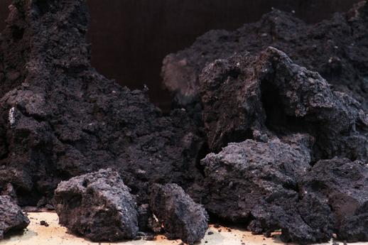 Mobilier en terre crue innovant, recherche de la matière originelle - amàco