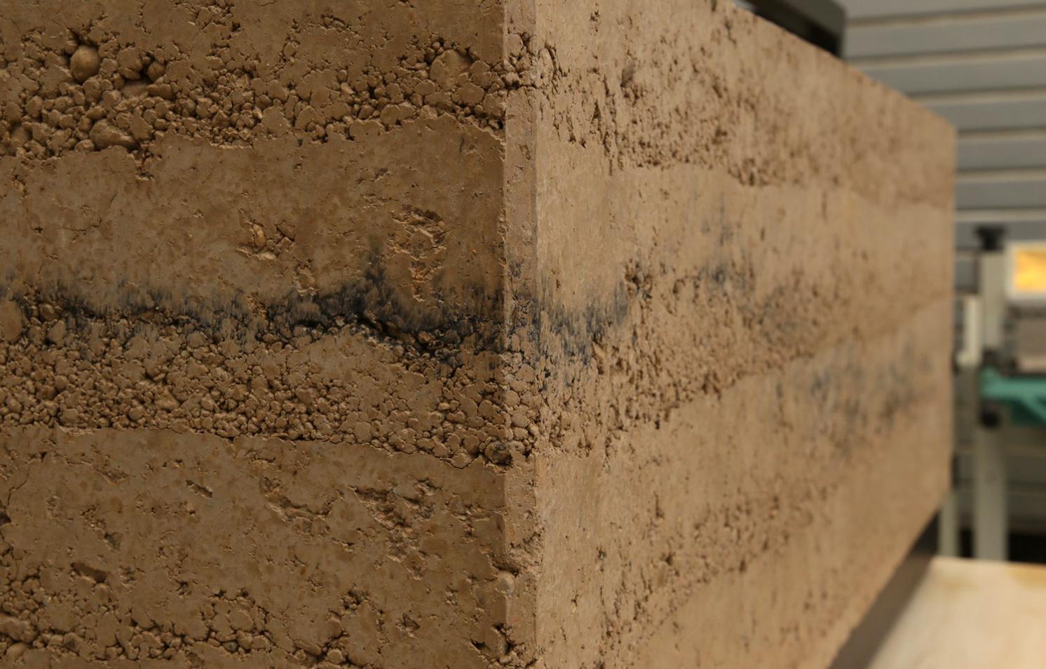 Des socles en terre crue pour le Muséum d'Orléans pour la Biodiversité et l'Environnement