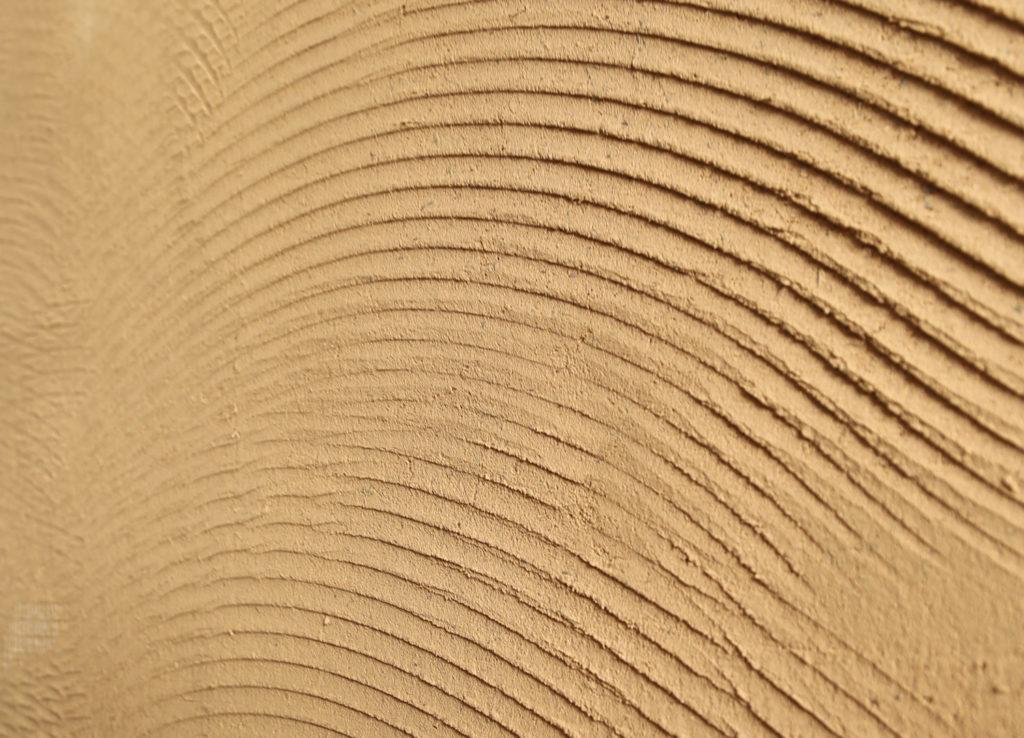 Formation professionnelle L'art de l'enduit en terre crue par amàco