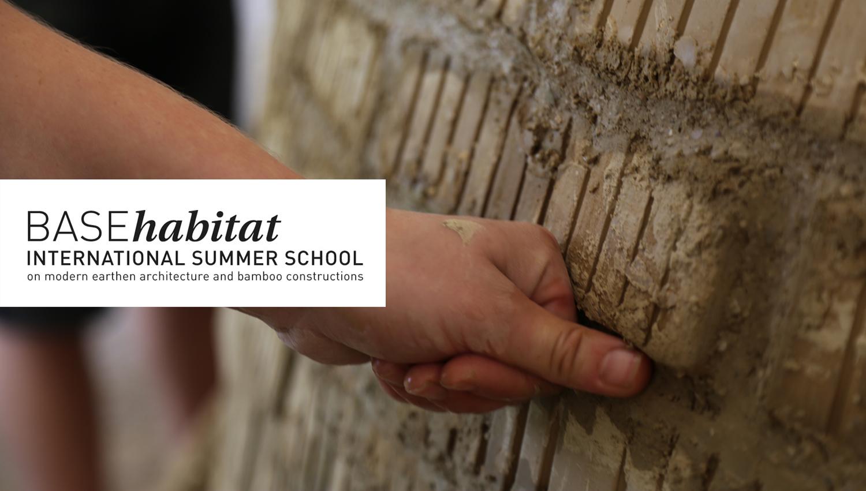Des ateliers adobes à la Summer School BASEhabitat