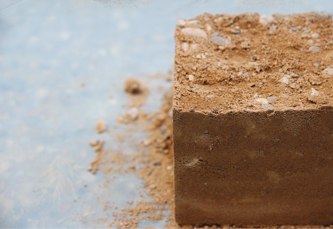 Construire en terre crue : ateliers autour de la technique du pisé à Marrakech