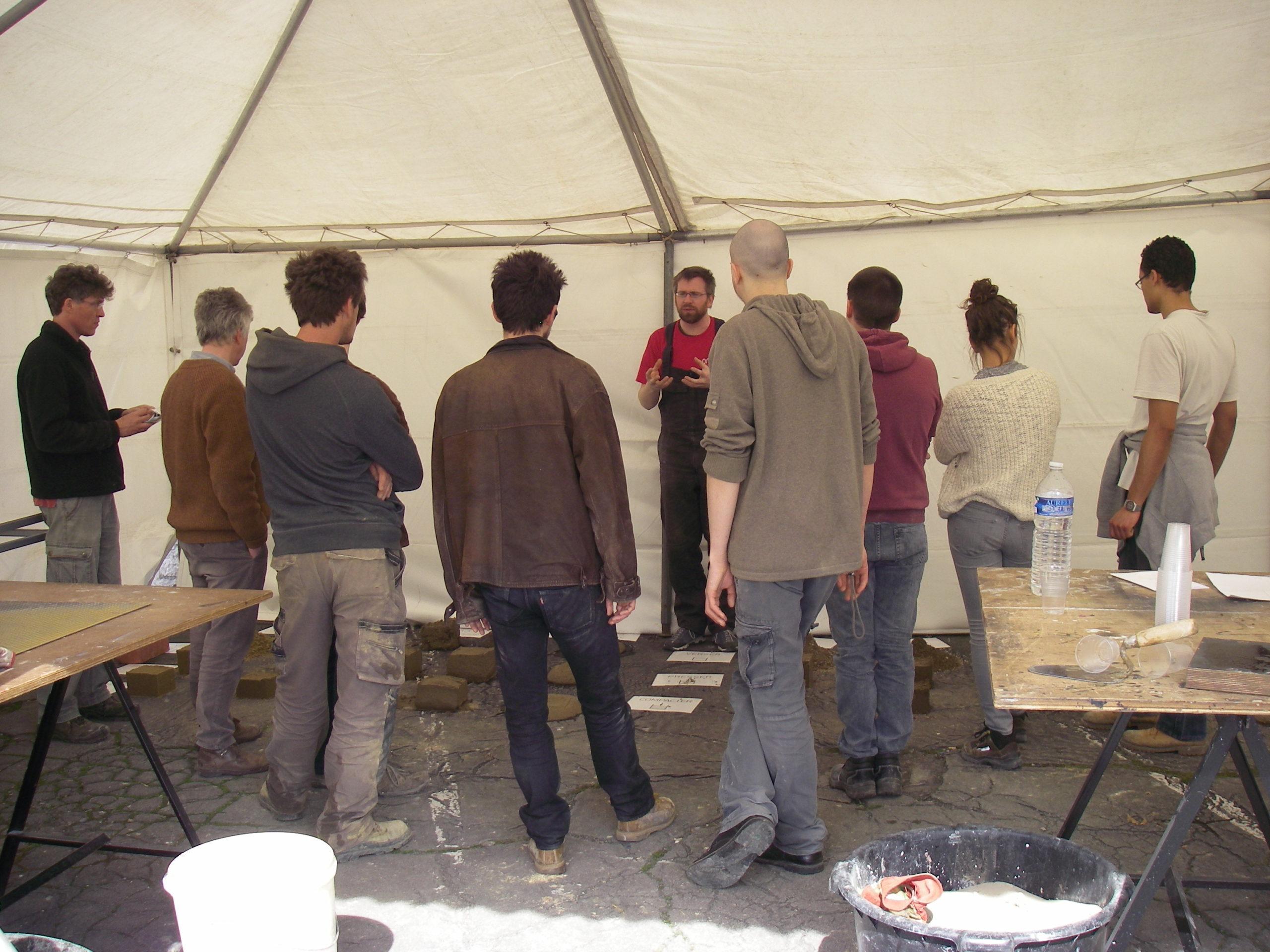 Atelier d'une semaine en Belgique sur le thème de la transformation de la matière en matériau