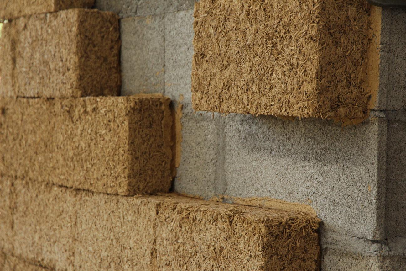 Formation à la production de matériaux en terre crue et en typha