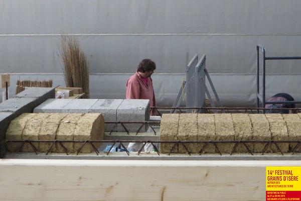 Formation à la production de matériaux en terre crue et en typha © amàco