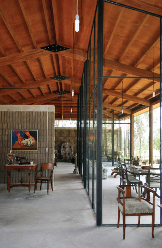 Architecture contemporaine en terre crue adobe - Equateur