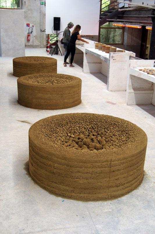Installation « Les Trois Moires » présentée à la Biennale Art & Matières d'Albi ©atelier alba