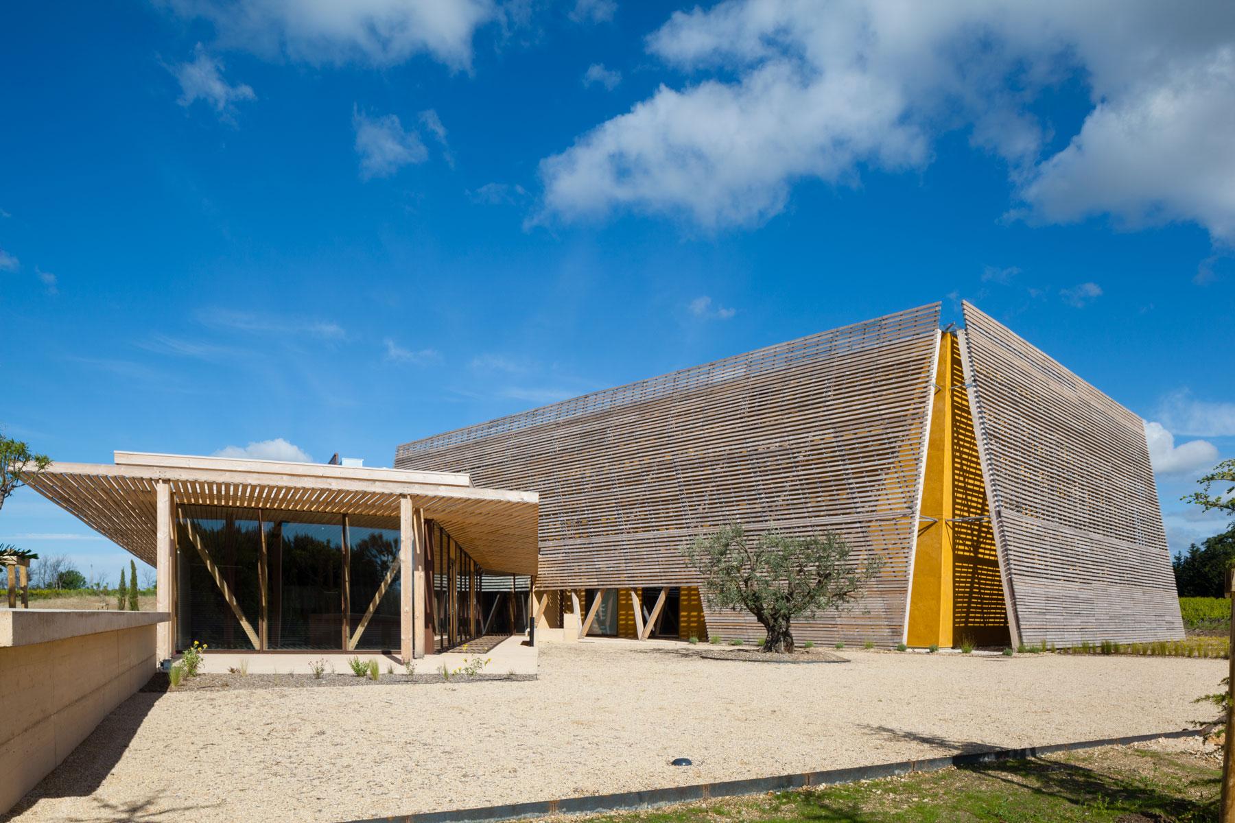 La boiserie : de la paille et du bois local pour une architecture pleine de sens