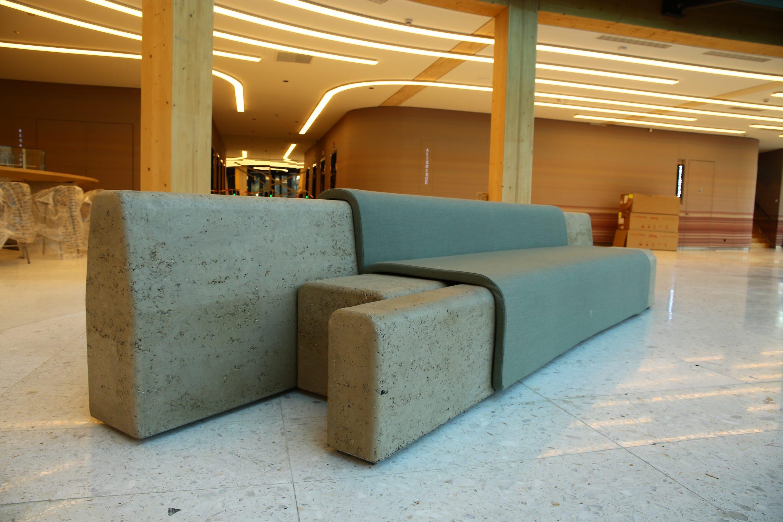 CURVE // Assises en terre crue
